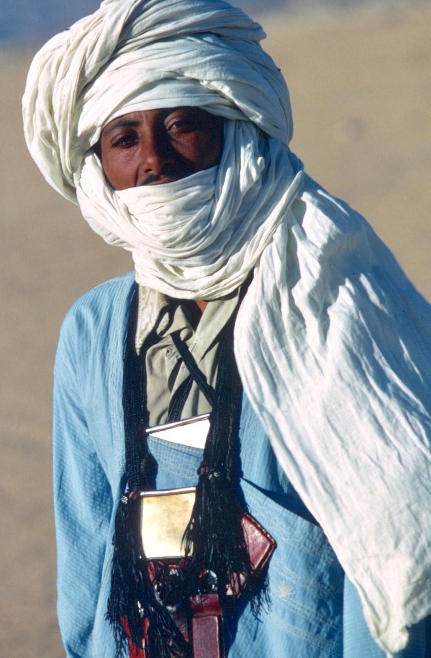 africa sahara touareg man